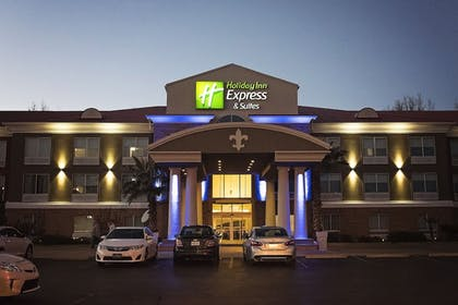 Featured Image   Holiday Inn Express & Suites Alexandria
