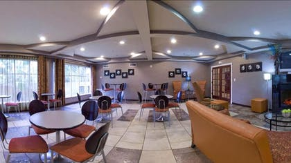 Dining   Holiday Inn Express & Suites Alexandria