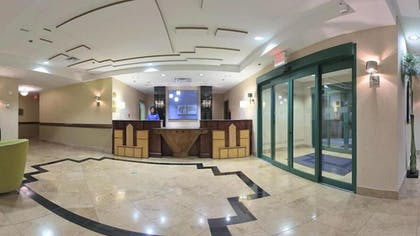 Lobby | Holiday Inn Express Hotel & Suites Birmingham - Inverness