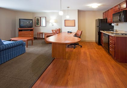 Guestroom | Candlewood Suites Ft. Lauderdale Airport/Cruise