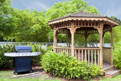 Property Grounds | Candlewood Suites Ft. Lauderdale Airport/Cruise