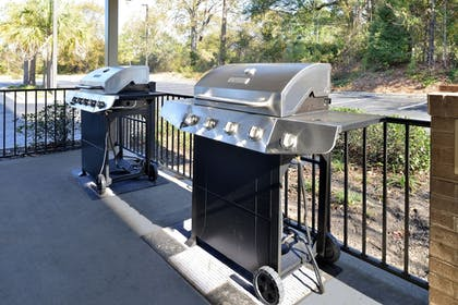 BBQ/Picnic Area | Candlewood Suites I-26 at Northwoods Mall