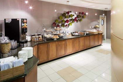 Breakfast buffet | SpringHill Suites by Marriott Portland Vancouver