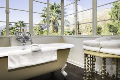 Deep Soaking Bathtub | Colony Palms Hotel