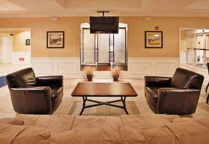 Lobby | Holiday Inn Express & Suites Wichita Airport