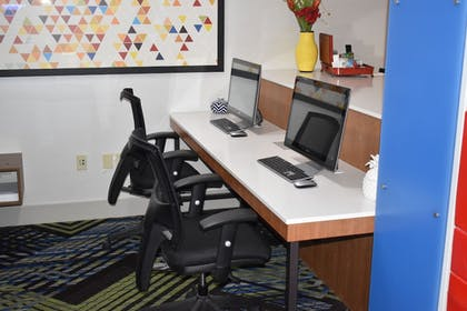 Business Center   Holiday Inn Express & Suites McPherson