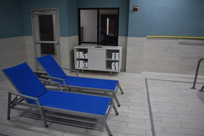Indoor Pool   Holiday Inn Express & Suites McPherson