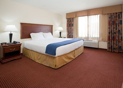 Room | Holiday Inn Express Hotel & Stes Salt Lake City-Airport East