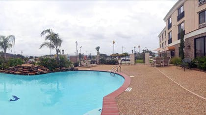 Outdoor Pool | Holiday Inn Express Hotel & Suites Fairfield - North