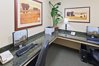 Business Center | Candlewood Suites Wichita Falls at Maurine Street