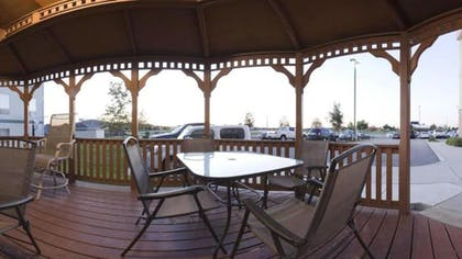 Terrace/Patio | Candlewood Suites Bloomington