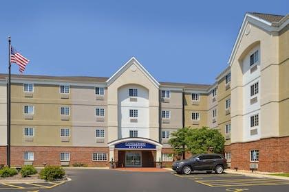 Exterior | Candlewood Suites Bloomington