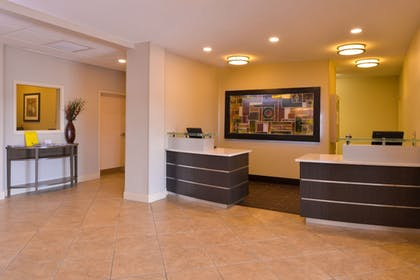 Lobby | Candlewood Suites Bloomington