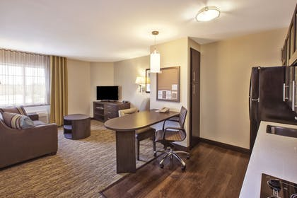 Guestroom | Candlewood Suites Indianapolis Airport