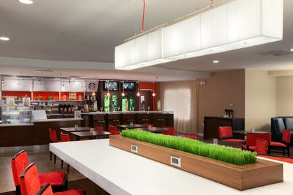 Breakfast Area | Courtyard by Marriott Wall at Monmouth Shores Corporate Park