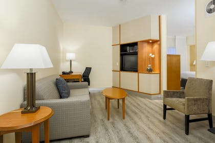 Guestroom | Fairfield Inn & Suites Temecula by Marriott