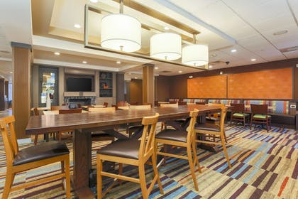 Restaurant | Fairfield Inn & Suites Temecula by Marriott