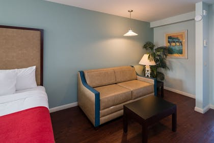 Guestroom | Morro Shores Inn And Suites