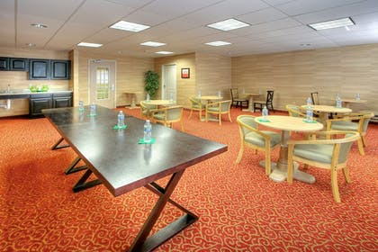 Restaurant | Holiday Inn Express & Suites Tucumcari