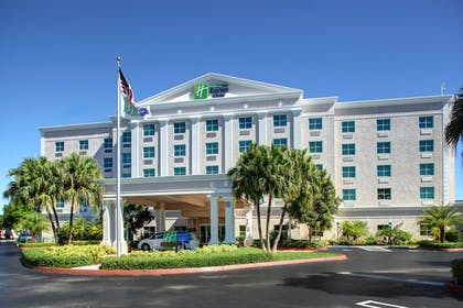 Hotel Front | Holiday Inn Express & Suites Kendall