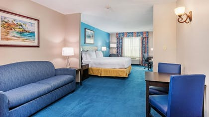 Guestroom | Holiday Inn Express & Suites Kendall
