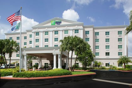 Parking | Holiday Inn Express & Suites Kendall