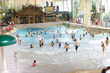 Indoor Pool | Great Wolf Lodge Cincinnati/Mason