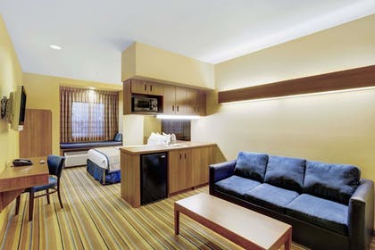 Guestroom | Baymont by Wyndham Las Vegas South Strip