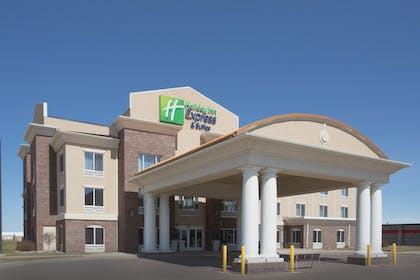 Featured Image | Holiday Inn Express & Suites Minot