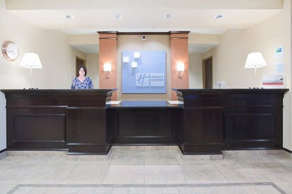 Lobby | Holiday Inn Express & Suites Minot