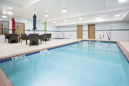 Pool | Holiday Inn Express & Suites Minot