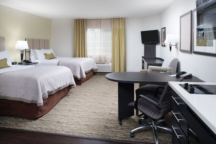 Guestroom | Candlewoods Suites Lacey
