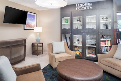 Lobby | Candlewoods Suites Lacey