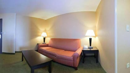 Living Area | Holiday Inn Express & Suites Goodland