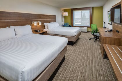 Guestroom | Holiday Inn Express and Suites Modesto