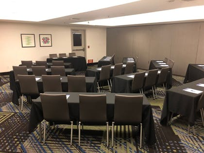 Meeting Facility | Holiday Inn Express and Suites Modesto