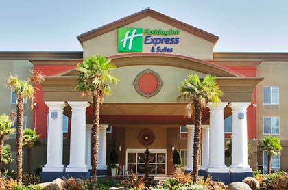 Exterior | Holiday Inn Express and Suites Modesto
