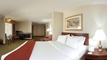 Guestroom | Holiday Inn Express Hotel & Suites Franklin-Oil City
