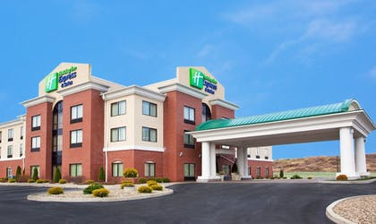 Exterior | Holiday Inn Express Hotel & Suites Franklin-Oil City