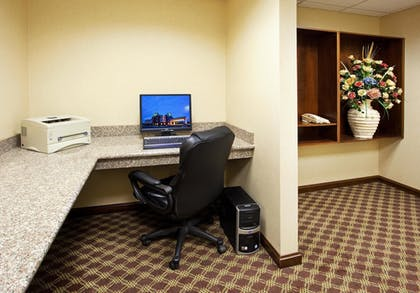 Business Center | Holiday Inn Express Hotel & Suites Franklin-Oil City
