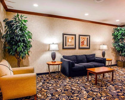 Lobby Lounge | Comfort Inn And Suites