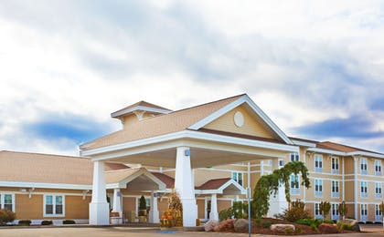 | Holiday Inn Express Hotel & Suites Iron Mountain