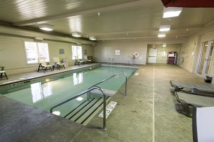 Indoor Pool | Holiday Inn Express Hotel & Suites Iron Mountain