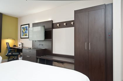 Guestroom | Holiday Inn Express Hotel & Suites Scott - Lafayette West