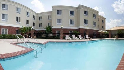 Outdoor Pool | Holiday Inn Express Hotel & Suites Scott - Lafayette West