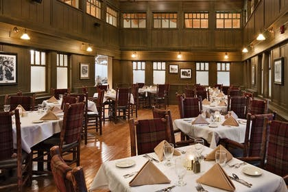 Family Dining | State Game Lodge at Custer State Park Resort