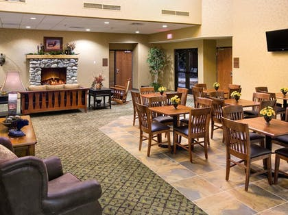 Lobby Sitting Area | State Game Lodge at Custer State Park Resort