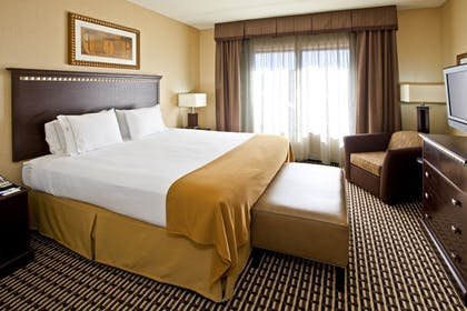Guestroom | Holiday Inn Express & Suites Seymour