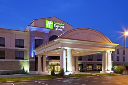 Exterior | Holiday Inn Express & Suites Seymour