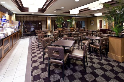 Restaurant | Holiday Inn Express & Suites Seymour